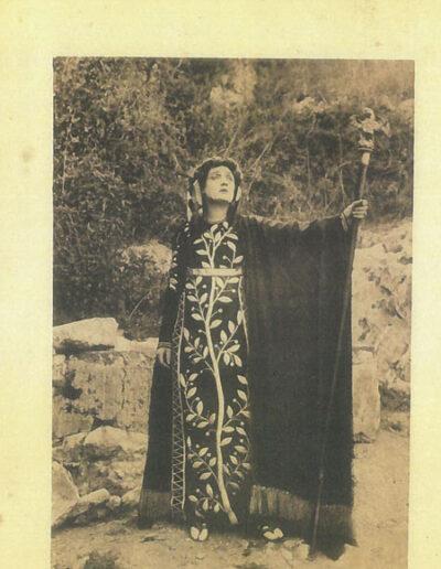 1914-libretto-foto-costumi-e-scena-Cassandra-Elisa-Berti-Masi.jpg