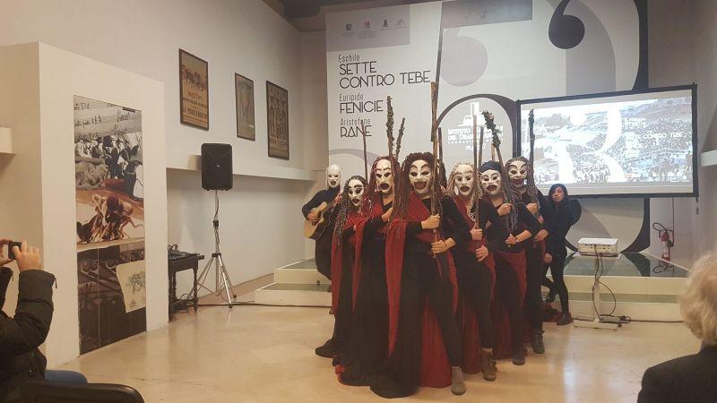 """Inda, gli allievi dell'Accademia in tour con """"Baccanti"""""""