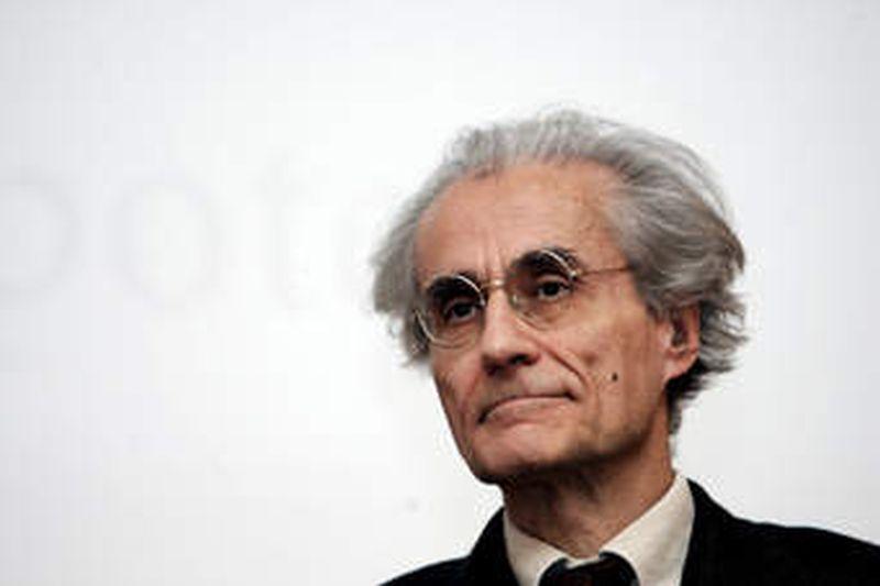 (Italiano) La politica delle Rane Luciano Canfora dialoga con il regista, gli attori e la traduttrice delle Rane