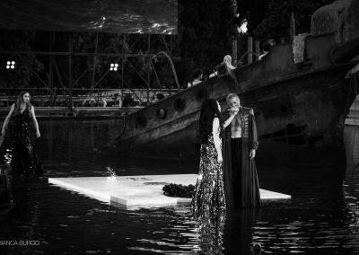 Laura Marinoni (Elena) e Sax Nicosia (Menelao) - ph. Bianca Burgo