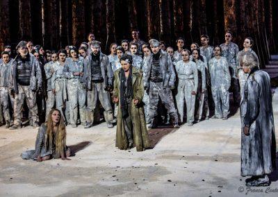 Maddalena Crippa (Ecuba), Viola Graziosi (Elena) e Graziano Piazza (Menelao) - ph. Franca Centaro