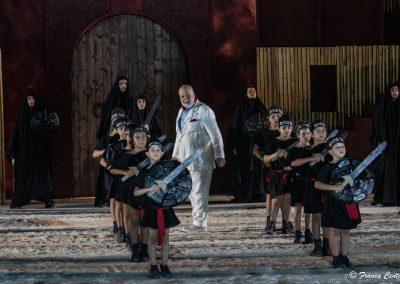 Roberto Alinghieri (Didascalio) e Coro bambini orfani di guerra - ph. Franca Centaro