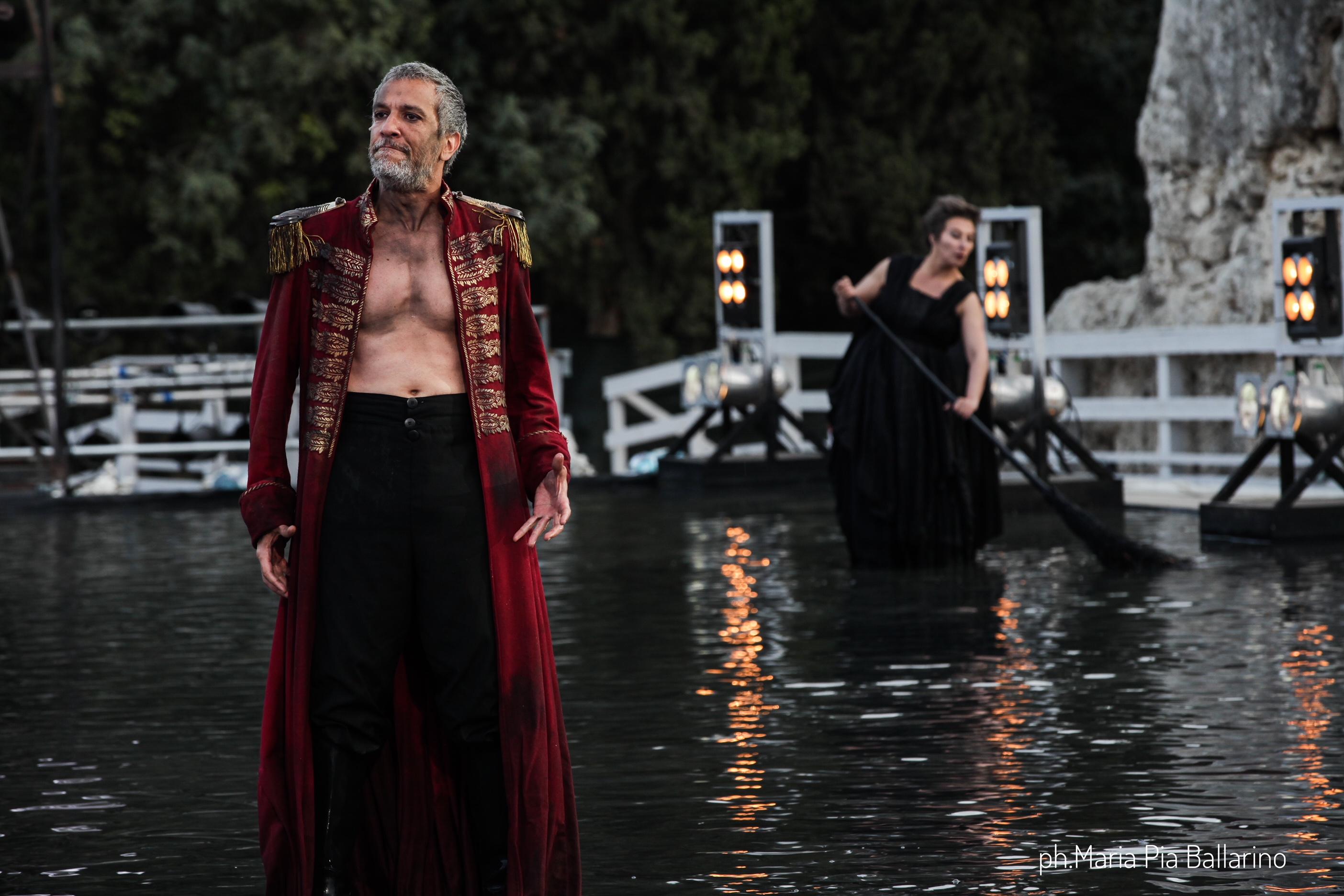 Sax Nicosia (Menelao) e Mariagrazia Solano (Una vecchia) - ph. Maria Pia Ballarino