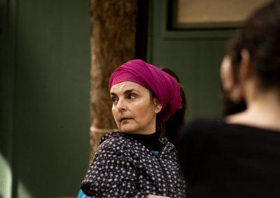 Maddalena Crippa (Ecuba) in un momento delle prove - ph. Bianca Burgo